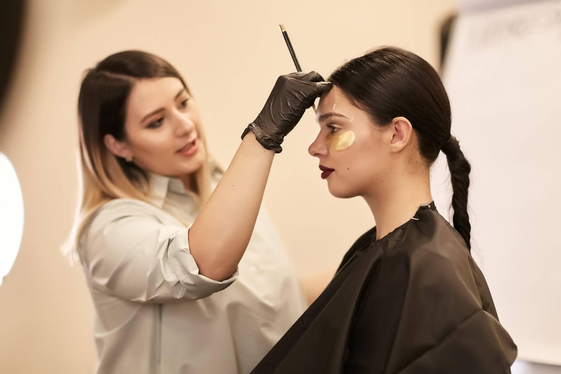 МК Милы Клименко «Дизайн бровей & Голливудский макияж»