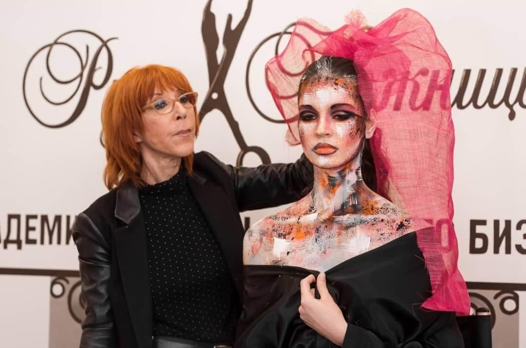 Основатель бренда Make Up For Ever  — DANY SANZ в Академии «Руки-Ножницы»